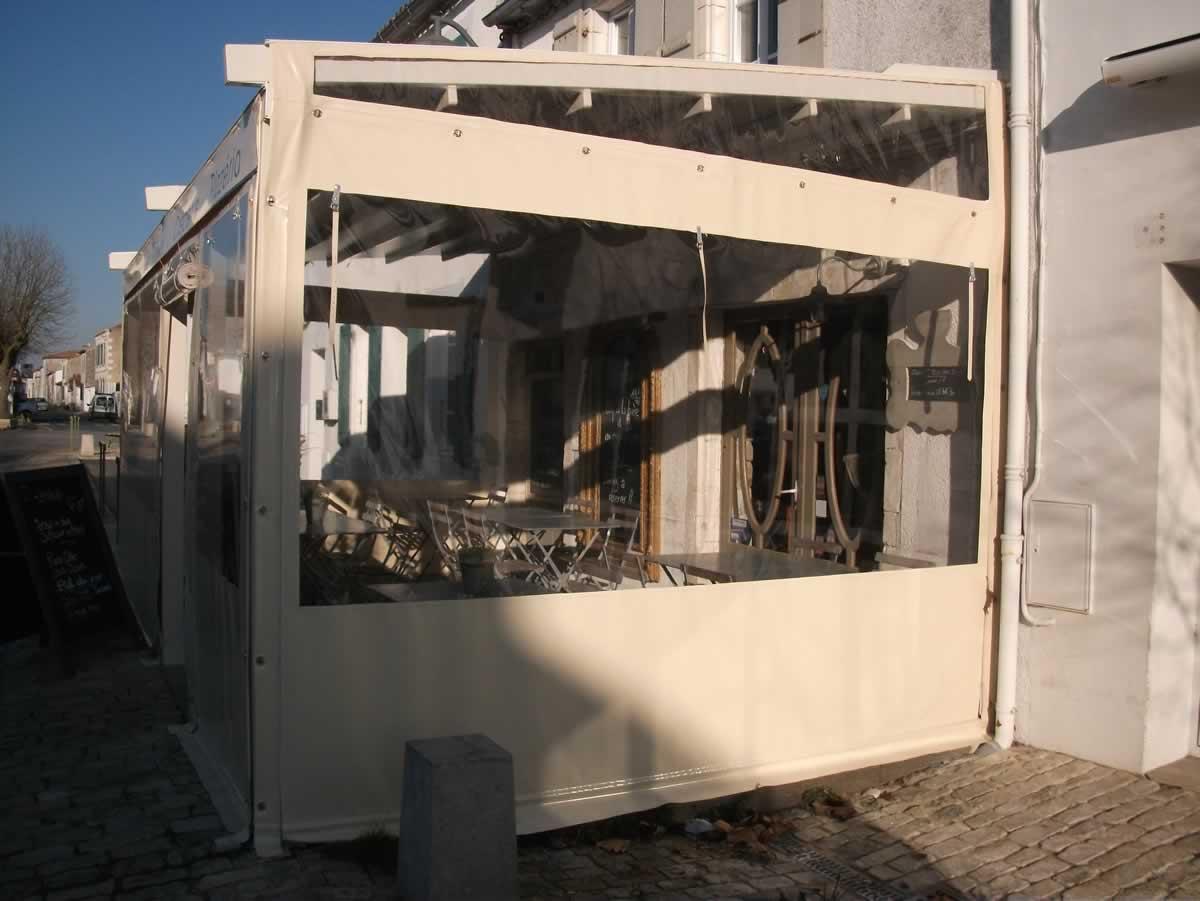 Pergola et abri de terrasse store fenetre la rochelle for Store exterieur fenetre