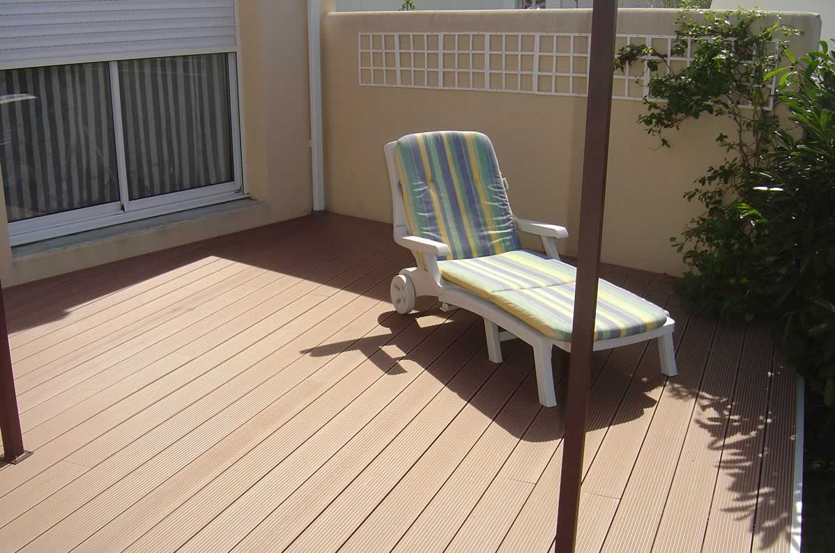 plancher et terrasse store fenetre la rochelle solartech. Black Bedroom Furniture Sets. Home Design Ideas